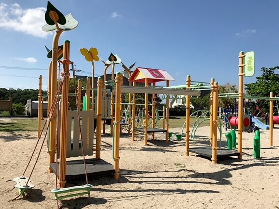 The park has rare attractions, like spider web equipment and rock climbing walls for small children.