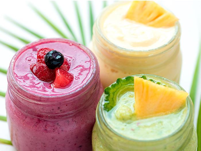 將產季時冷凍起來的水果或蔬菜為材料,再以國產豆乳為基底,打汁成「對身體也美味」的蔬果昔。