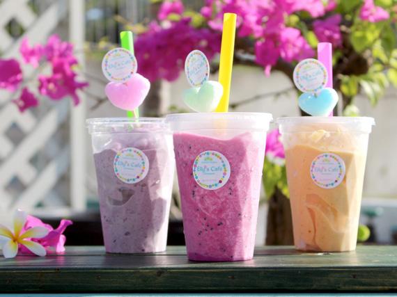 冰沙水果奶昔是以南國產的水果和超級食物製成的奶昔飲品。賣相可愛又健康的奶昔是Elly's café的超人氣商品。