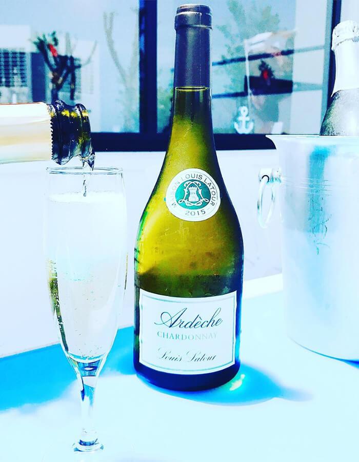 グラスでフランス産やイタリア産のオススメ スパークリングワインが楽しめます