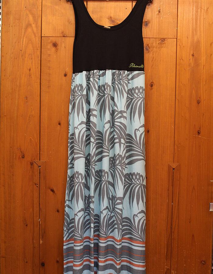 タンクトップドレス 各色 3,900円(税抜)
