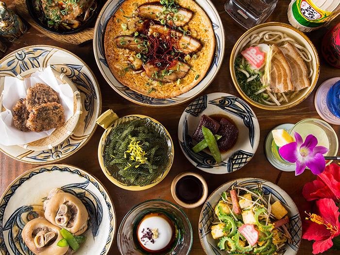 種類豊富な沖縄料理が自慢