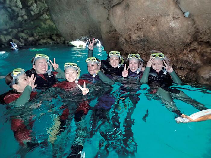 青の洞窟探検シュノーケル+大サンゴ礁シュノーケル 神秘的な空間!癒される瞬間。夜行性のお魚を探してみよう!