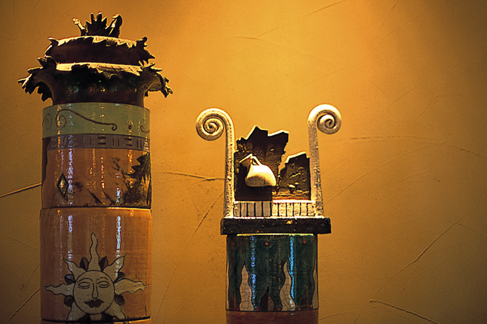 館内のいたるところに、こだわりの調度品やアート作品があり上質のリゾート空間を演出している。「アリビラ美術館」というパンフレットを片手にアート巡りも楽しめる