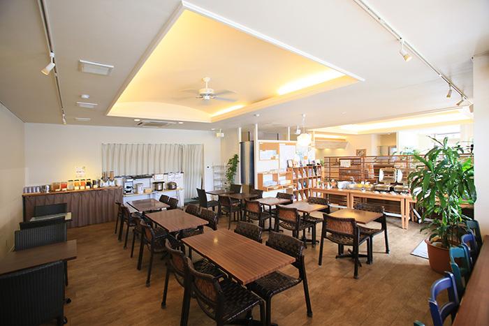 【ククルカフェ】6:30-10:00は朝食会場として、10:00-23:00はフリーラウンジとしてご利用いただけます。