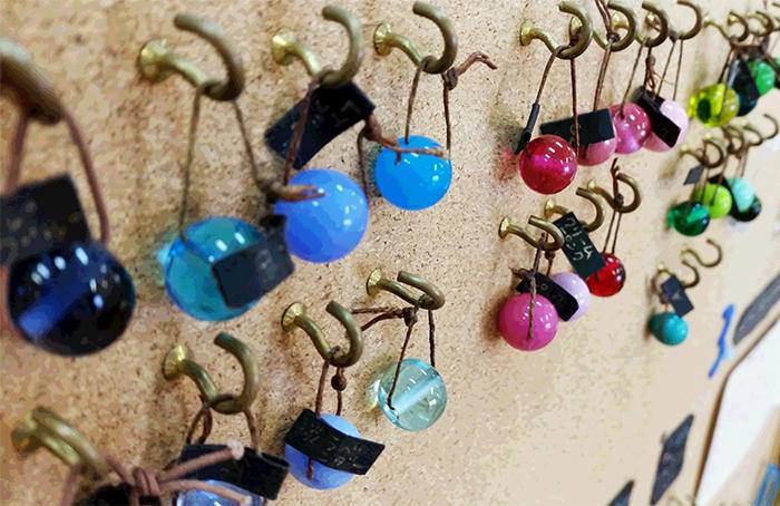 種類豊富なガラスの中からお好きな色が選べます♪