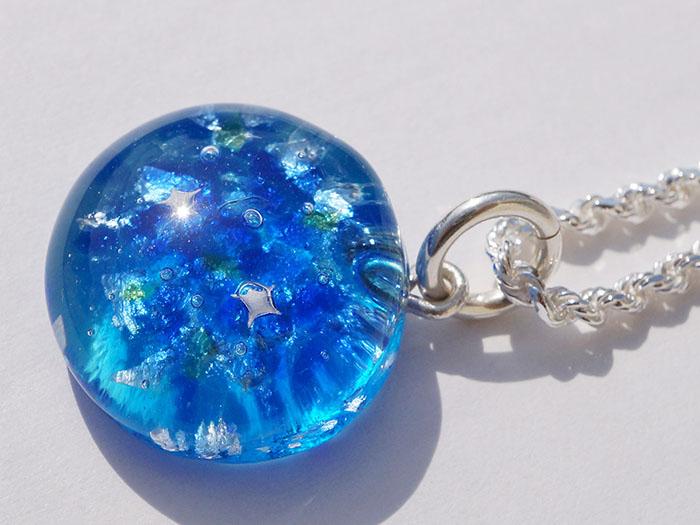 ~海の輝きを閉じ込めた宝石 SEA JEWEL(シージュエル)~ キラキラと輝く青い海はまるで宝石のよう・・・