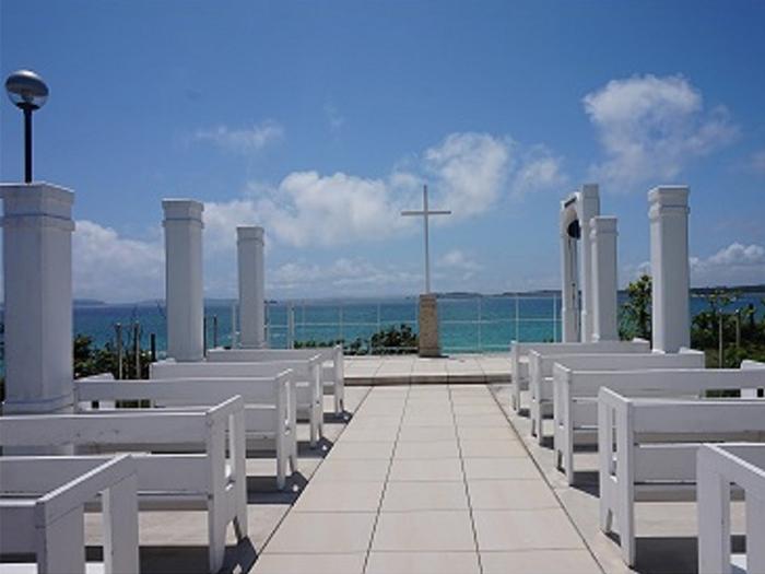 海のすぐそばのチャペルで最高の結婚式