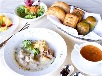 素材を活かした身体にやさしいお料理を洋・和食でお召し上がり下さい