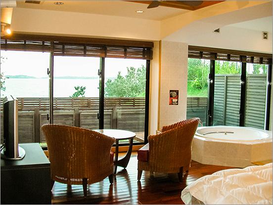 広がる海の景色をお楽しみいただける部屋もご用意