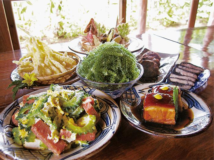 沖縄の味覚をたっぷり召し上がれ