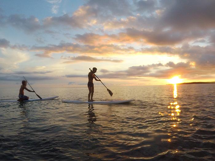 サンセットSUP 西海岸に沈んでいく夕陽を浴びながらのSUPは感動間違いなし