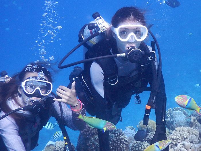 体験ダイビング ライセンス不要、インストラクターのレクチャーで初心者も安心。南国沖縄の海を満喫しよう!