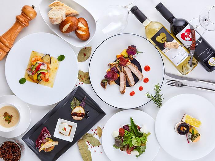 ディナー  やんばるの新鮮な食材を使用したフレンチベースの創作料理をシェフ自慢のコースやアラカルトでご堪能いただけます。
