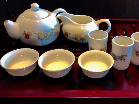 薫り高い中国茶を丁寧にじっくり楽しめる <br>功夫茶で癒しの時間を堪能できる<br> *功夫茶(コウフウチャ)とは・・・中国茶を小さな器で丁寧に時間をかけて楽しむ方法