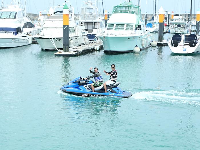 ジェットスキー(水上バイク)で沖縄の風を感じよう