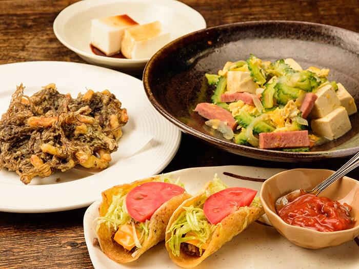 ゴーヤーチャンプルやジーマーミー豆腐などもお手頃価格で沖縄料理も満喫