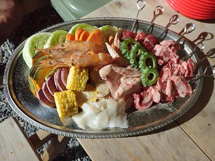 「星空BBQ」2,980円(1人前)  豪華食材のBBQをテラス席で