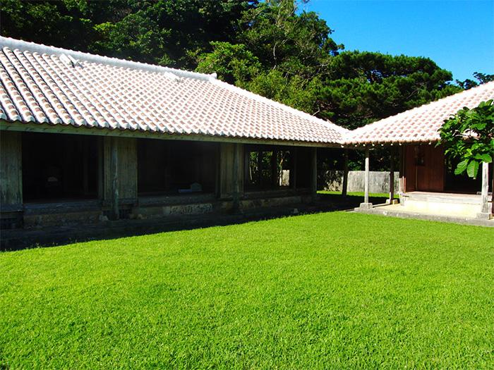 「故鄉之園」是遷移改建沖繩的古民房而來,快來參觀沖繩的傳統民家建築。