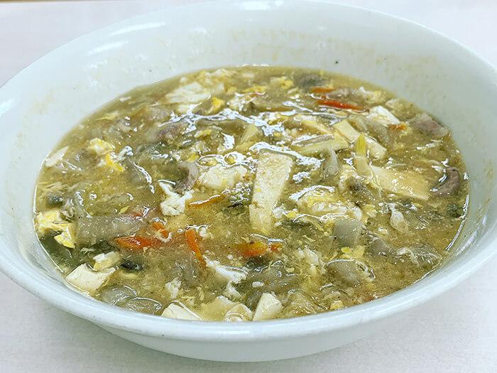 「酸辣湯」帶點酸又辣的味道,相信會讓你欲罷不能!