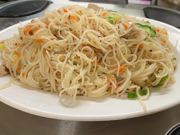 「素麵炒什錦」是素麵與青菜互相搭配的簡單料理。